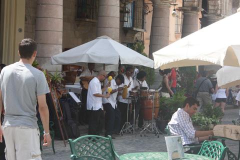 カテドラル広場のバンド
