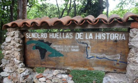 トリニダの滝でキューバの歴史を知る
