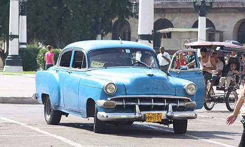 タクシーのニュースより~キューバの車社会を再考してみました