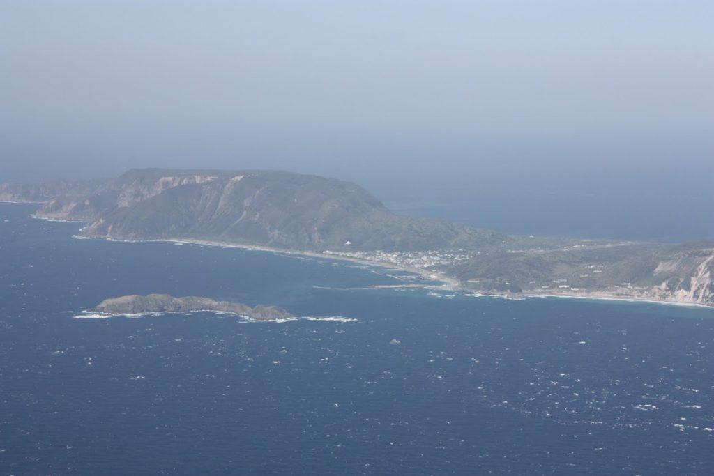 地内島、新島